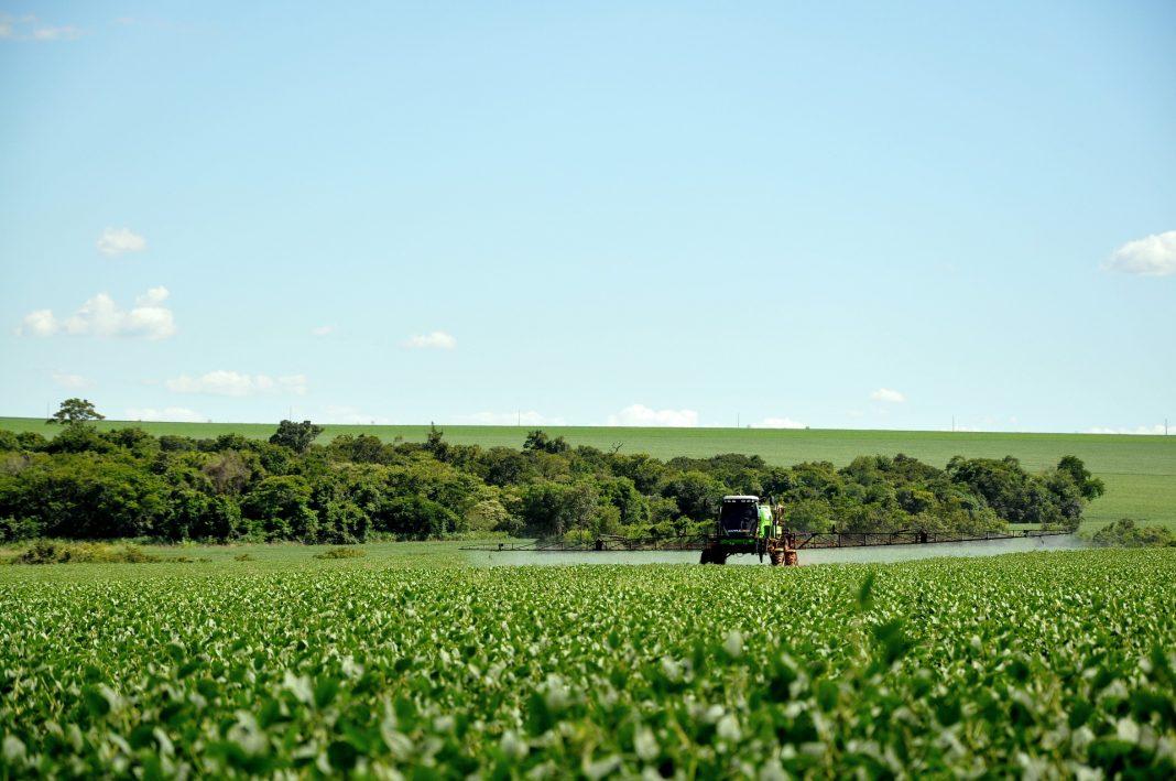 MABEWO AG - Chemikalienschutz in der Landwirtschaft
